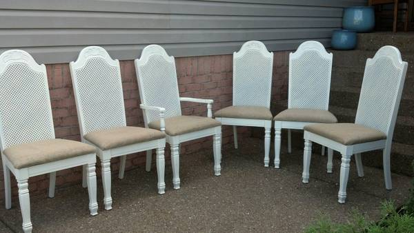 Set of 6 Dining Chairs $280 View on Craigslist