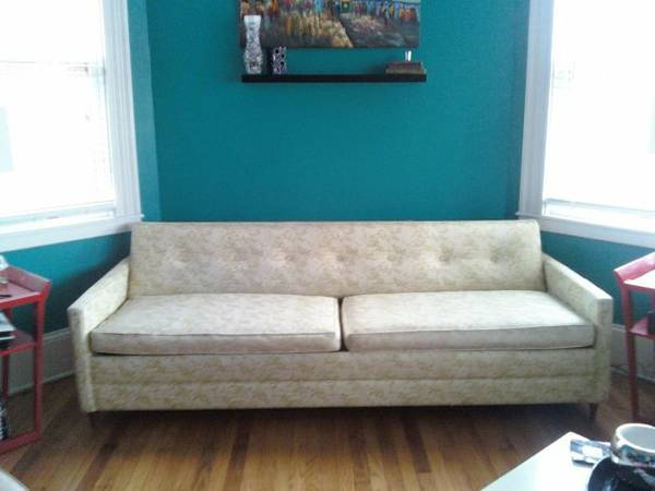Retro Sleeper Sofa     $250     View on Craigslist