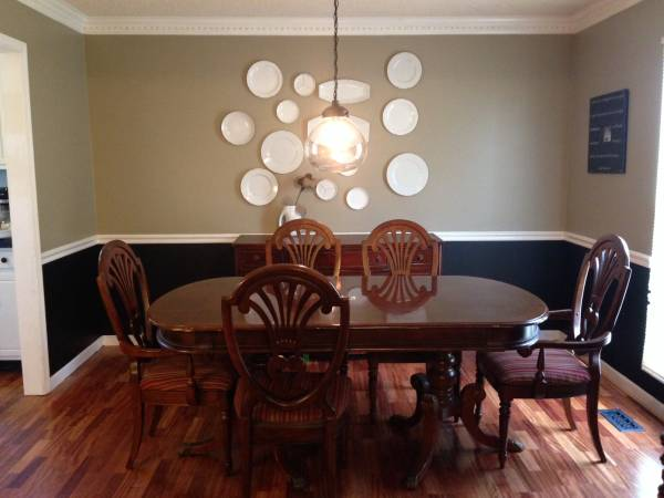 Dining Table and Chairs     $200     View on Craigslist