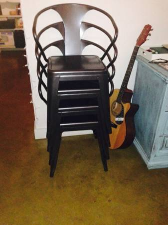 Set of 4 Metal Chairs     $200     View on Craigslist