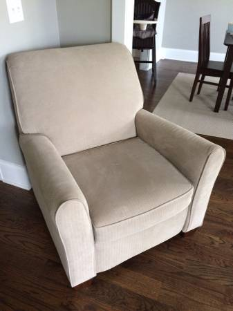 Ashley Furniture Recliner     $150     View on Craigslist