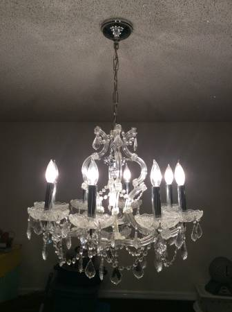 Chandelier     $100     View on Craigslist
