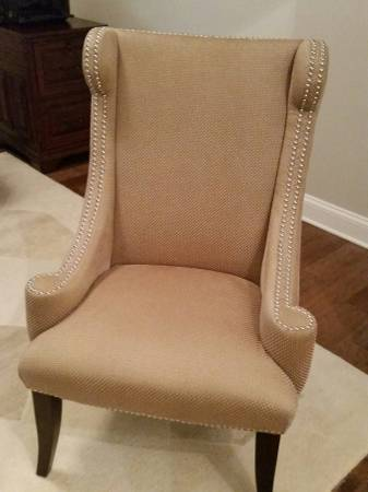Accent Chair      $125     View on Craigslist