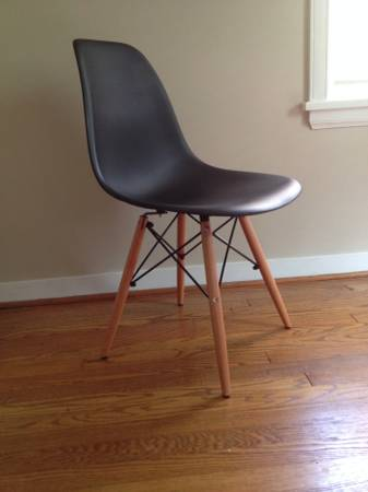 Set of 4 Eames Style Chairs     $240     View on Craigslist