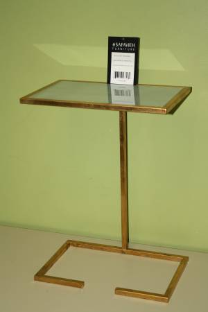 Safavieh Gold Accent Table     $60     View on Craigslist