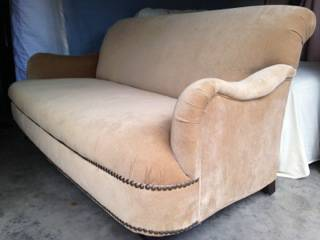 Tan Microfiber Sofa     $250     View on Craigslist