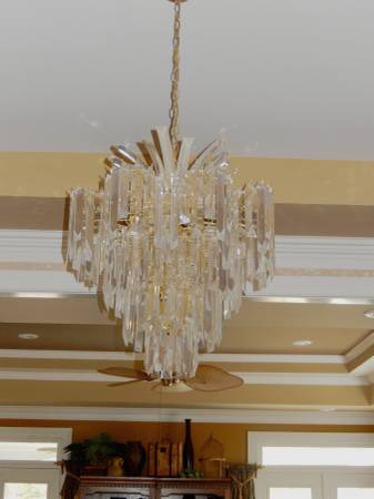 Glass Chandelier     $80     View on Craigslist