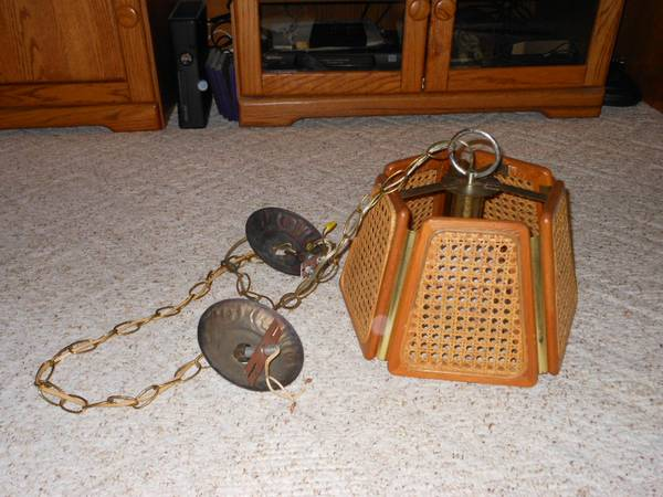 Wicker Hanging Light     $10   This light would be really cute spray painted.    View on Craigslist