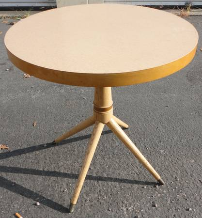 Mid Century Round Table     $100     View on Craigslist