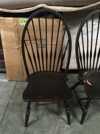 Highback Windsor Chairs (4)     $80   I love these chairs and 4 for $80 is a great deal.     View on Craigslist