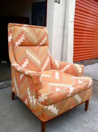 Mid Century Modern Arm Chair     $150   I love this chair and the colors are fabulous.     View on Craigslist