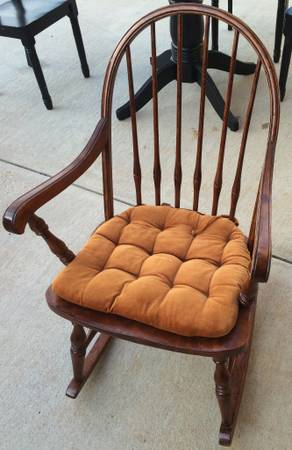 Antique Rocking Chair $15 View on Craigslist