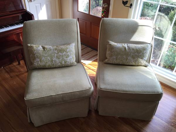 Pair of Accent Chairs     $100     View on Craigslist