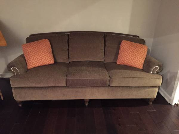 Sofa     $450     View on Craigslist