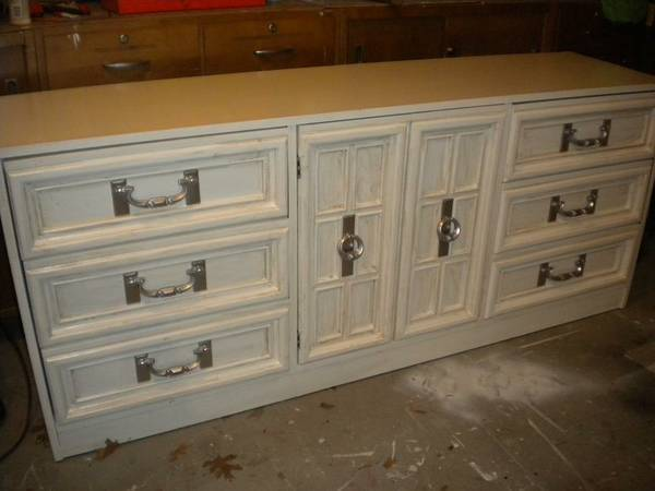 Dresser $75 View on Craigslist