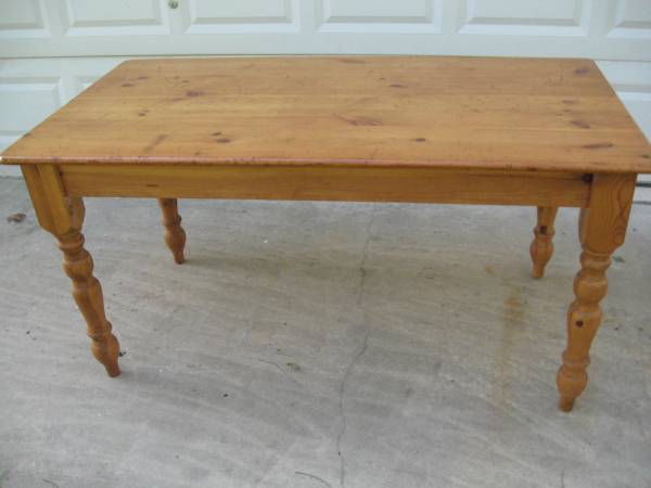 Pine Kitchen Table     $95     View on Craigslist