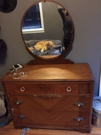 Vintage Dresser     $90     View on Craigslist