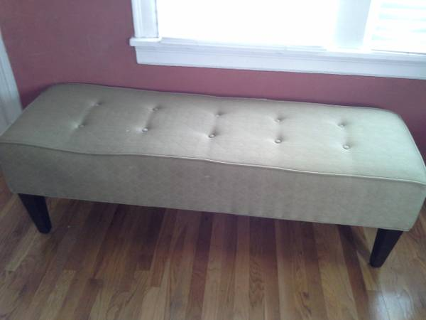 Upholstered Bench     $20     View on Craigslist
