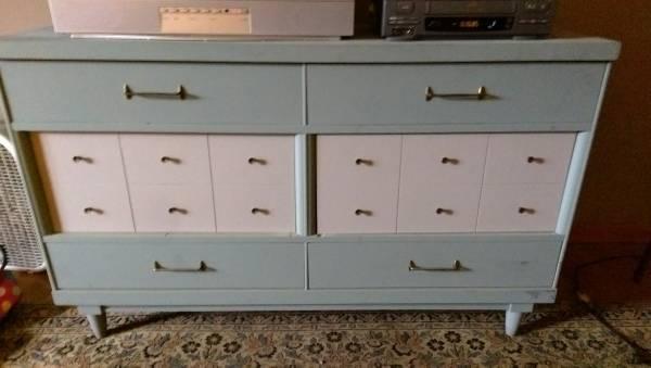 Mid Century Dresser     $175     View on Craigslist