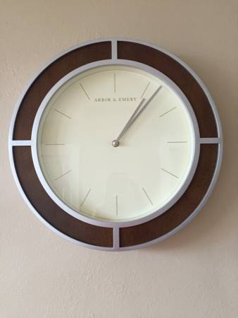 Wall Clock     $10     View on Craigslist
