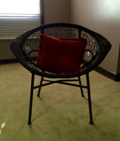 Modern Wicker Chair $25 View on Craigslist