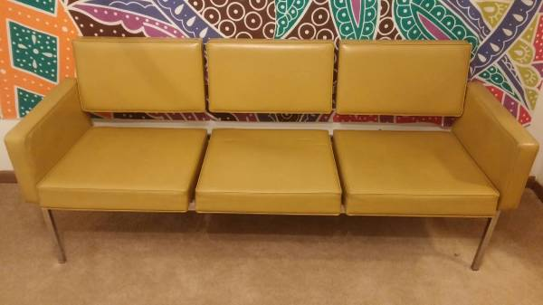 Mid Century Vinyl Couch     $60     View on Craigslist