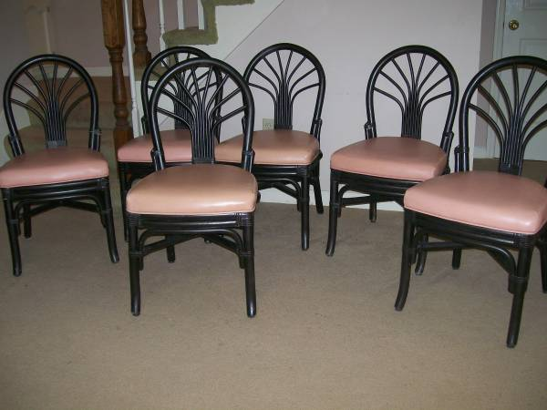 Set of 6 Rattan Chairs     $60   With new fabric on the cushions, these chairs will look fabulous.    View on Craigslist