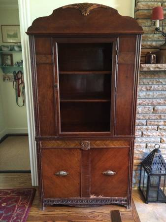 Vintage China Cabinet     $50     View on Craigslist