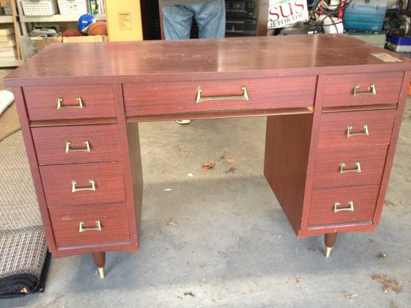 Mid Century Desk $100 I love the hardware on this desk. View on Craigslist
