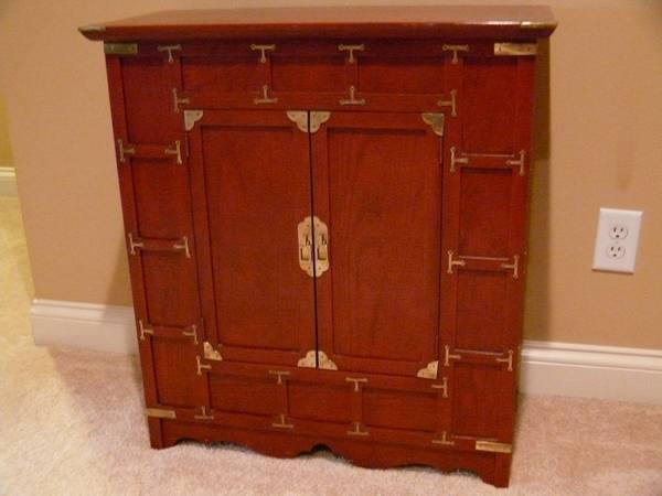 Wood Cabinet     $100     View on Craigslist