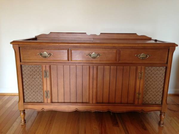 Vintage Record Cabinet     FREE   You can't beat this piece, would be great refurbished as a media cabinet, buffet or changing table.     View on Craigslist