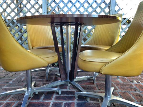 Mid Century Dining Set     $425     View on Craigslist