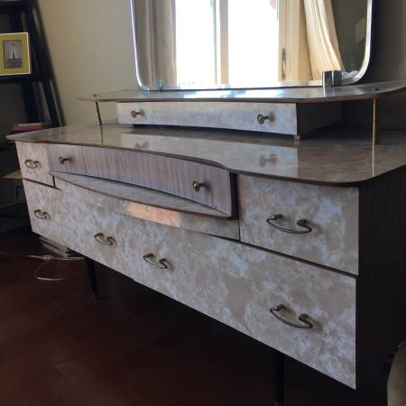 Vintage Vanity     $150     View on Craigslist
