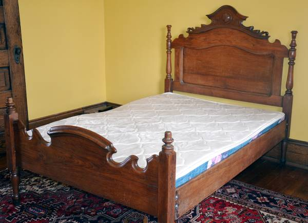 Antique Walnut Bed     $199     View on Craigslist