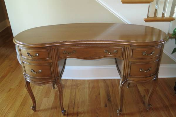 Drexel Desk and Chair $110 View on Craigslist
