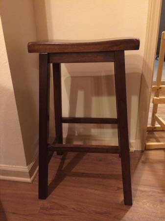 Set of 4 Bar Stools     $100     View on Craigslist