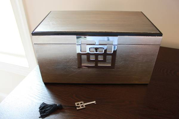 West Elm Jewelry Box     $30     View on Craigslist