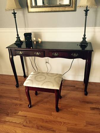 Desk/Table with Stool     $40     View on Craigslist