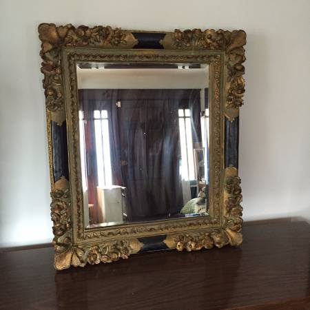 Ornate Mirror     $75     View on Craigslist
