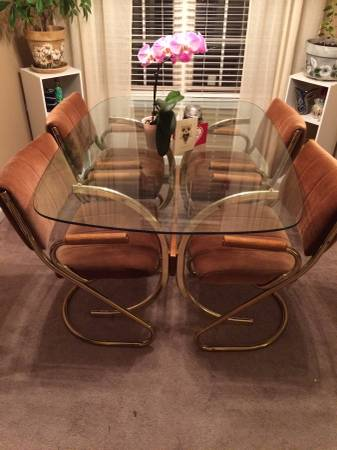 Vintage Table and Chairs     $250   This set has a great vibe and would look fabulous with new fabric.    View on Craigslist