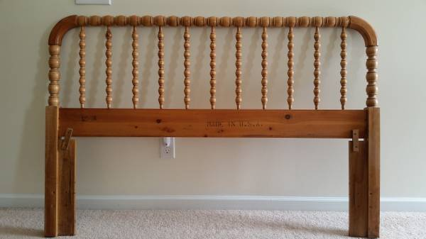 Jenny Lind Style Headboard     $60   This would be so pretty painted.    View on Craigslist