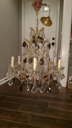 Vintage Chandelier     $250     View on Craigslist