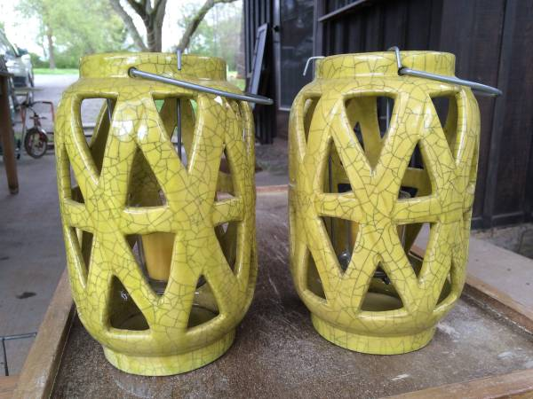 Pair of Ceramic Lanterns     $8     View on Craigslist