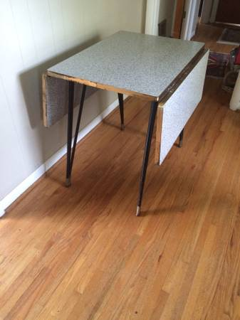Retro Dropleaf Table and Chairs     $60     View on Craigslist
