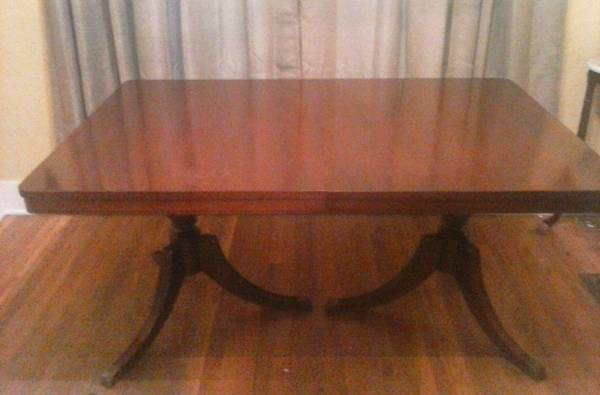 Dining Table     $75     View on Craigslist