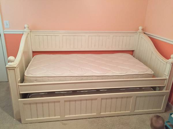 Daybed with Trundle     $250     View on Craigslist