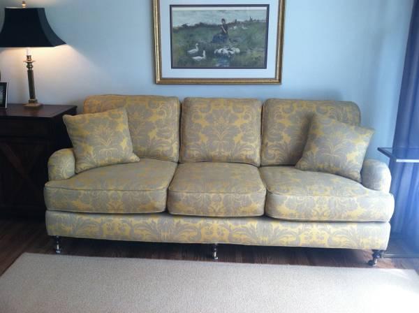 Lee Industries Sofa     $800     View on Craigslist