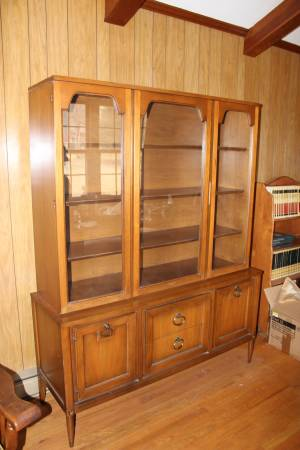 Mid Century China Cabinet     $165     View on Craigslist