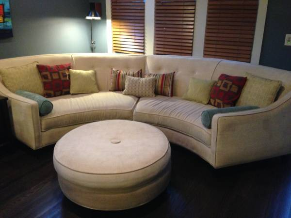 Curved Sofa with Ottoman     $375     View on Craigslist