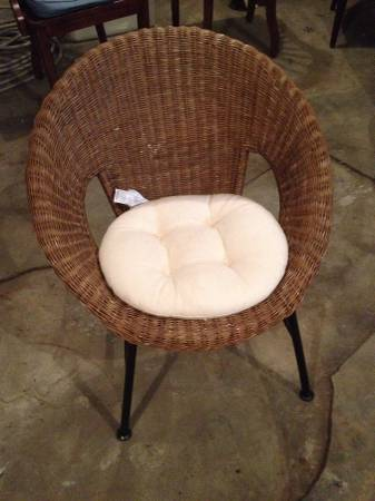 Modern Wicker Chair $49 View on Craigslist